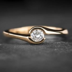"""Sužadėtuvių žiedas su Briliantu """"Sweetness 7"""""""