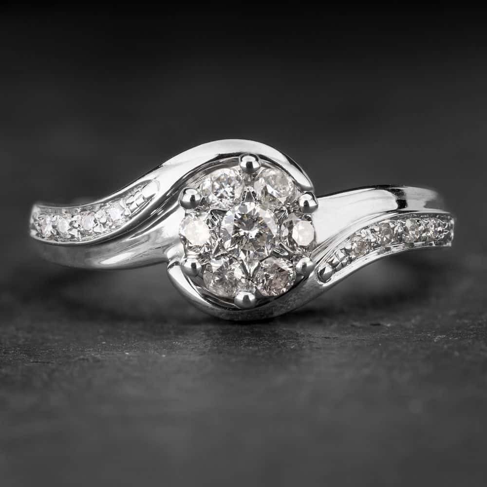 """Sužadėtuvių žiedas su Briliantais """"Shiny Flower 5"""""""
