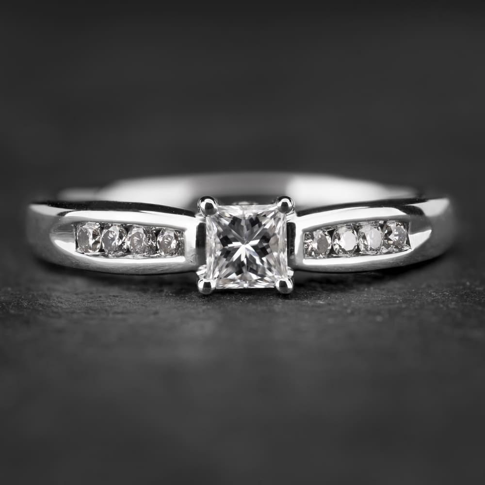 """Sužadėtuvių žiedas su Deimantais """"Princess 25"""""""