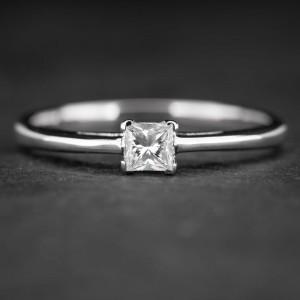 """Sužadėtuvių žiedas su Deimantu """"Princess 25"""""""