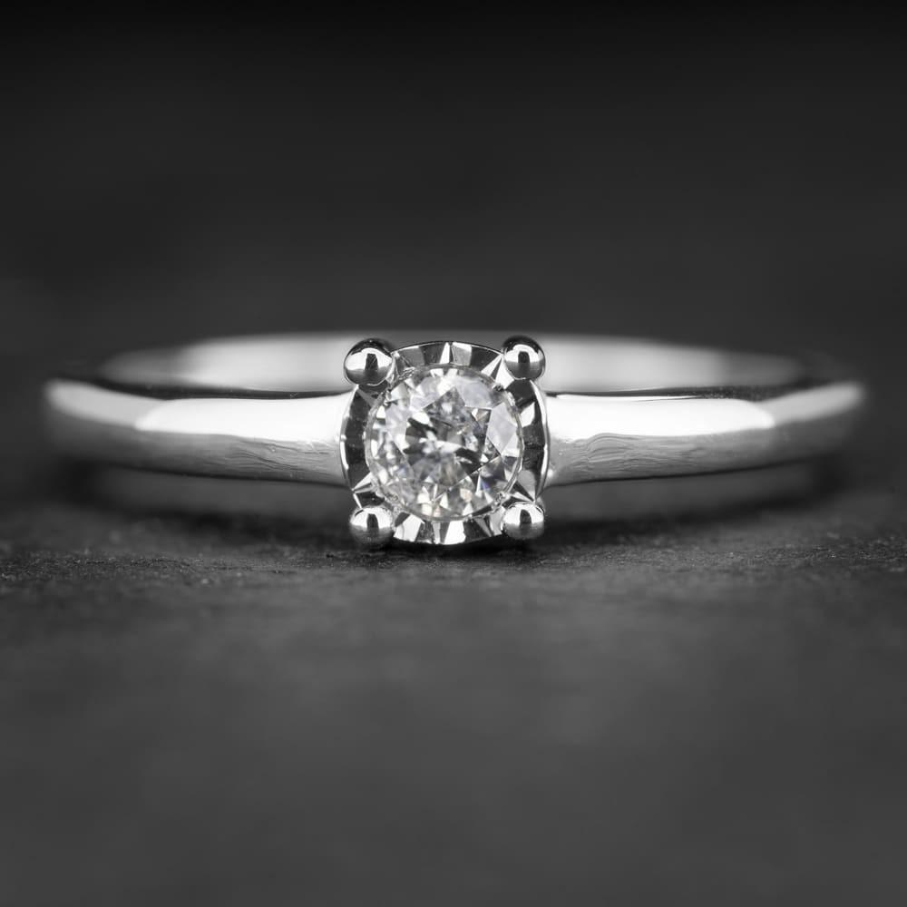 """Sužadėtuvių žiedas su Briliantu """"Nuostabusis 15"""""""