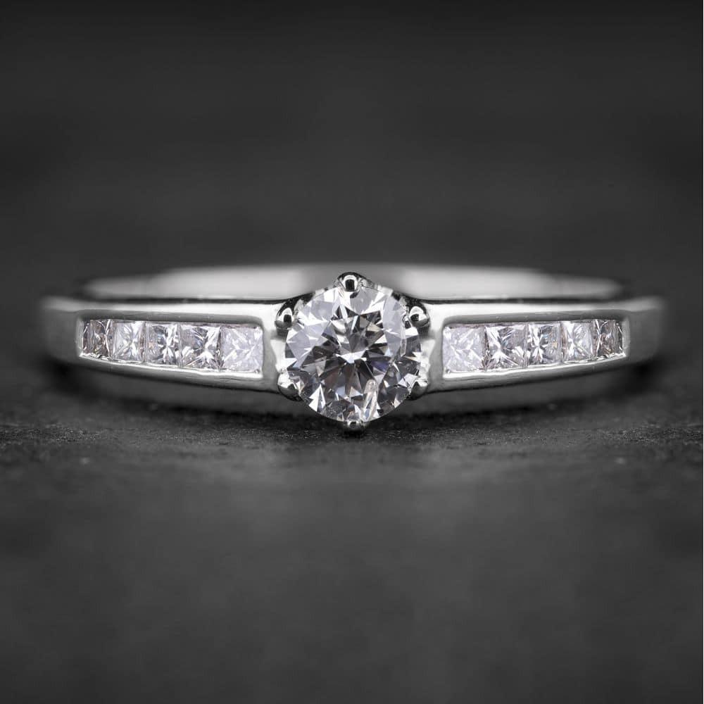 """Sužadėtuvių žiedas su Deimantais """"The Elegance 19"""""""