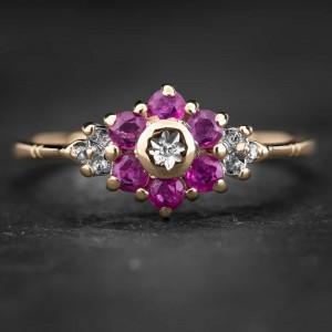 """Auksinis žiedas su Brangakmeniais """"The Flower of Ruby 2"""""""