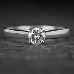 """Sužadėtuvių žiedas su Briliantu """"Fortune 8"""""""