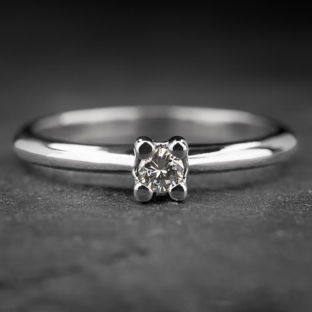 """Auksinis žiedas su Briliantu """"The Diamond 18"""""""