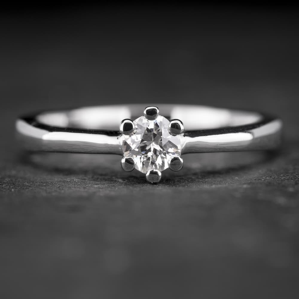 """Sužadėtuvių žiedas su Briliantu """"The Only One 4"""""""
