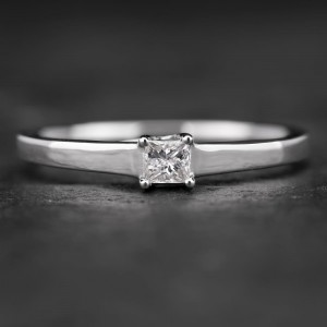 """Sužadėtuvių žiedas su Briliantu """"Princess 31"""""""
