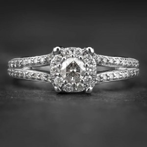 """Auksinis žiedas su Briliantais """"Tiara 19"""""""