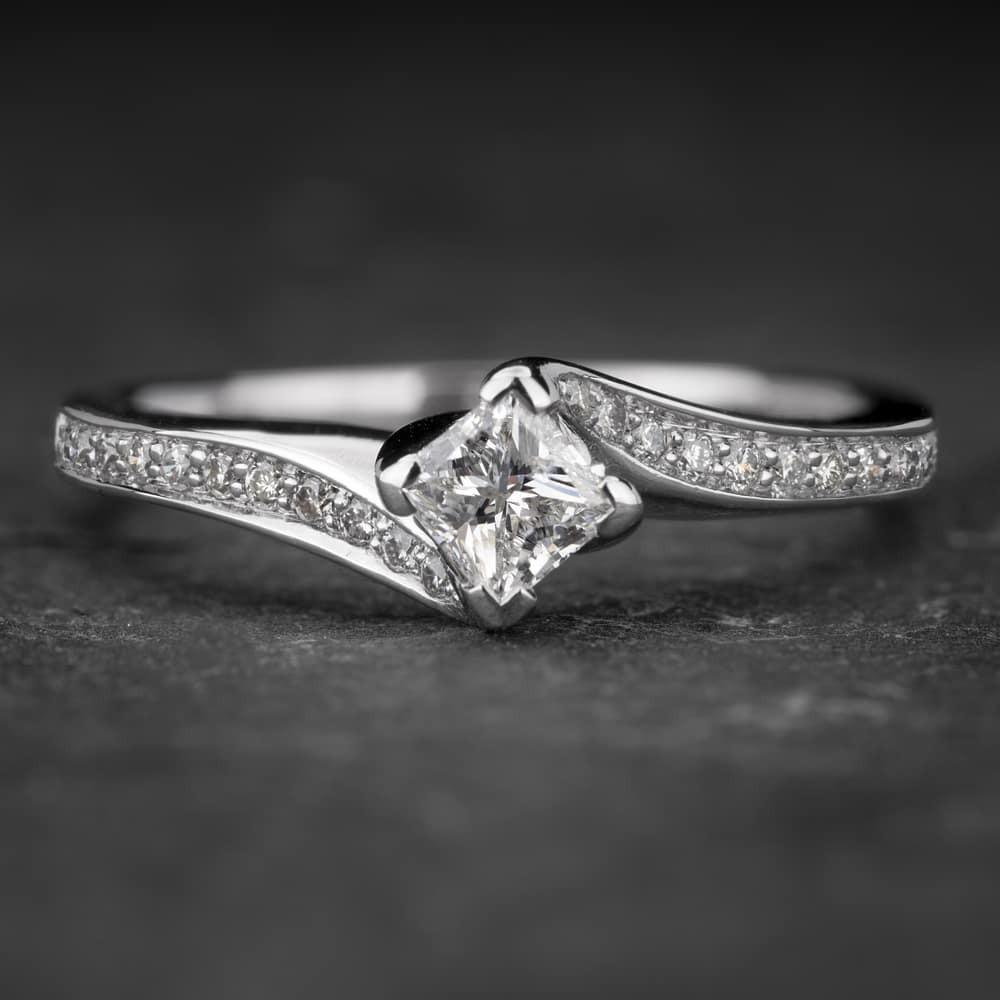 """Auksinis žiedas su Deimantais """"Princess 39"""""""