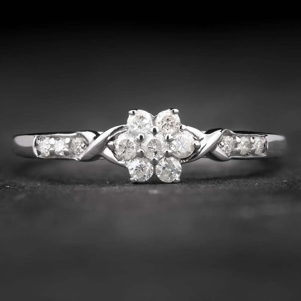 """Auksinis žiedas su Briliantais """"Shiny Flower 11"""""""