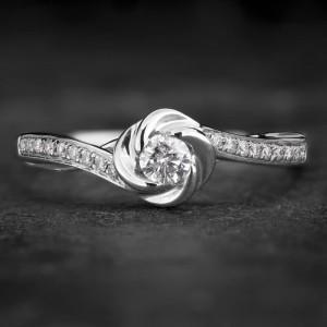 """Auksinis žiedas su Briliantais """"Whirlwind 15"""""""