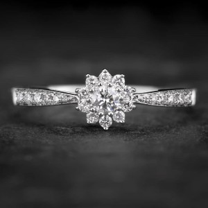 """Sužadėtuvių žiedas su Briliantais """"Shiny Flower 12"""""""