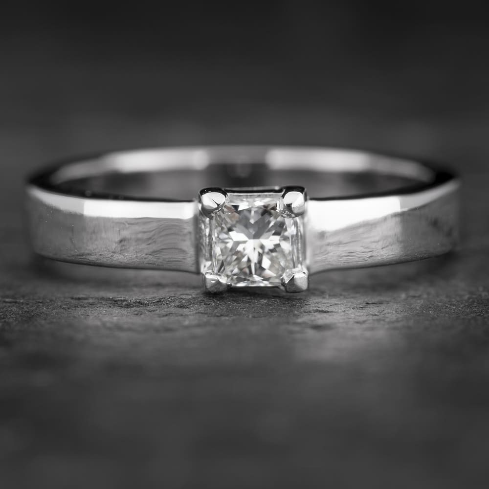 """Sužadėtuvių žiedas su Deimantu """"Princess 43"""""""