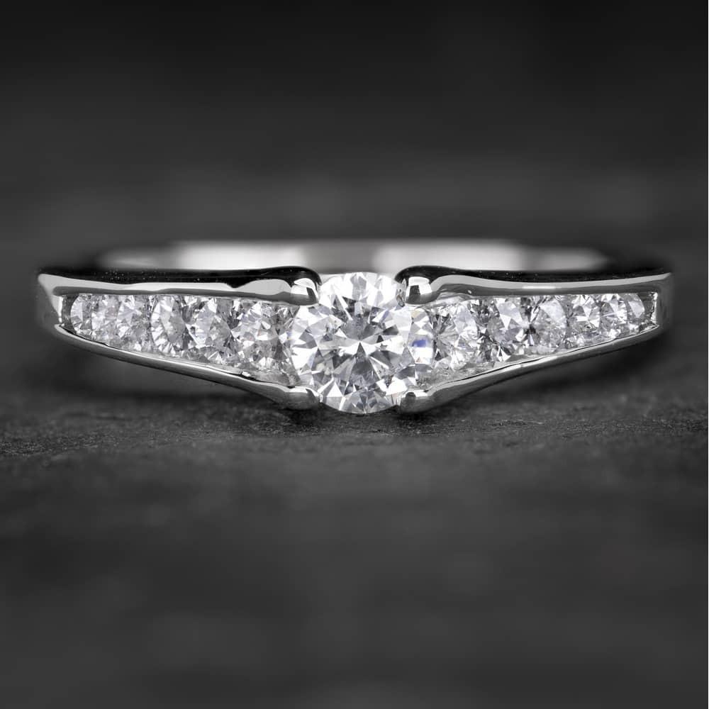 """Sužadėtuvių žiedas su Briliantais """"Tiara 21"""""""