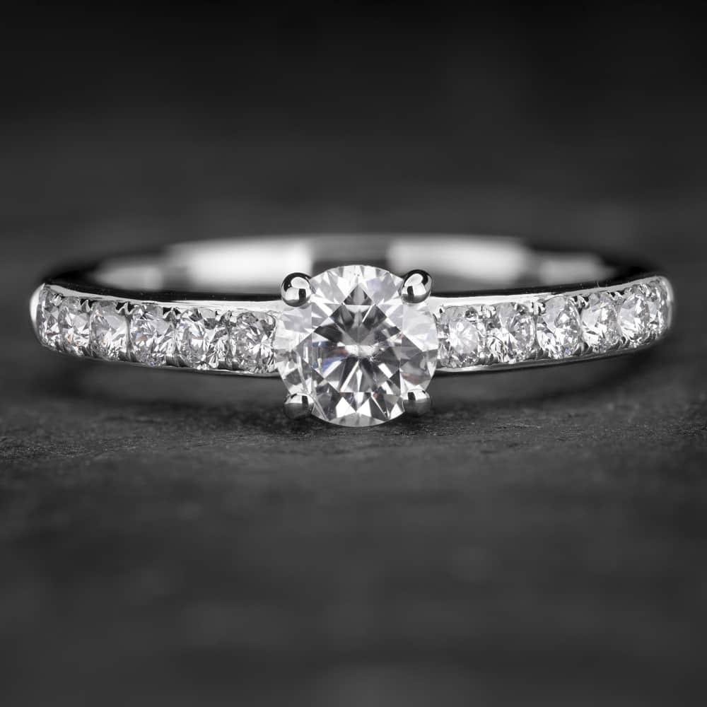 """Auksinis žiedas su Briliantais """"Tiara 22"""""""