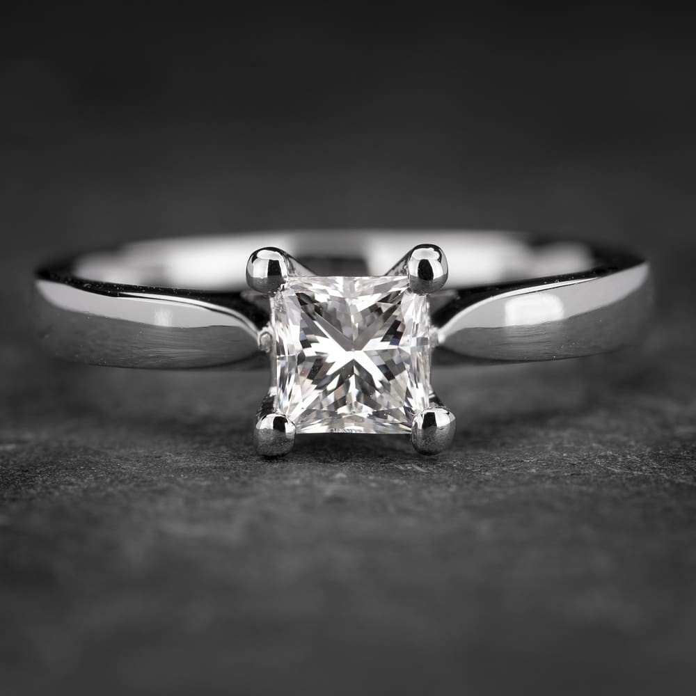 """Platinos žiedas su Deimantu """"Princess 46"""""""