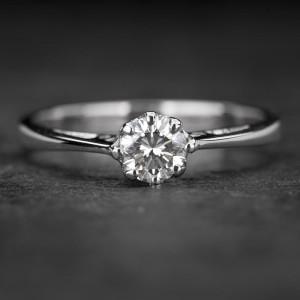 """Sužadėtuvių žiedas su Briliantu """"Kunigaikštytė 68"""""""