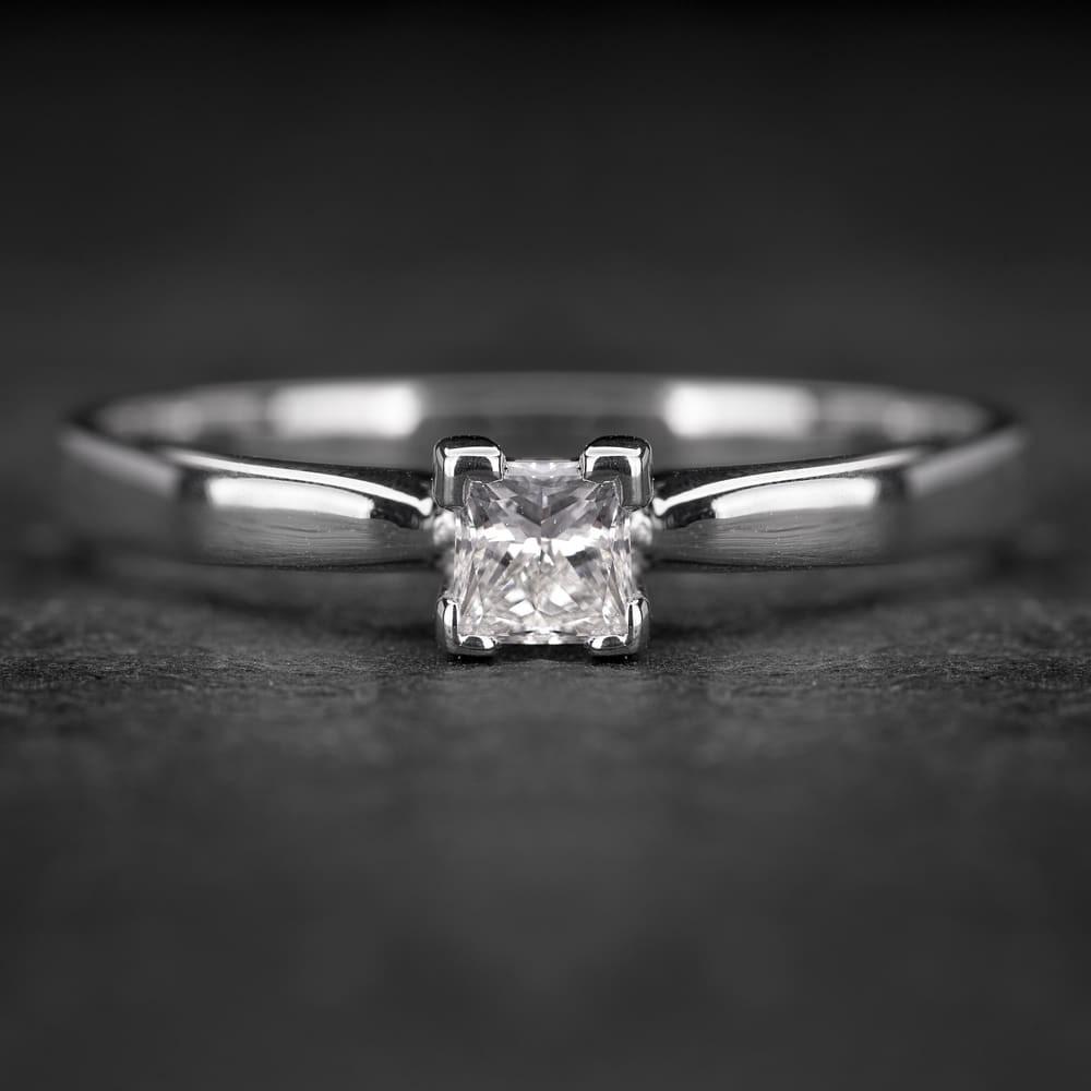 """Sužadėtuvių žiedas su Deimantu """"Princess 50"""""""