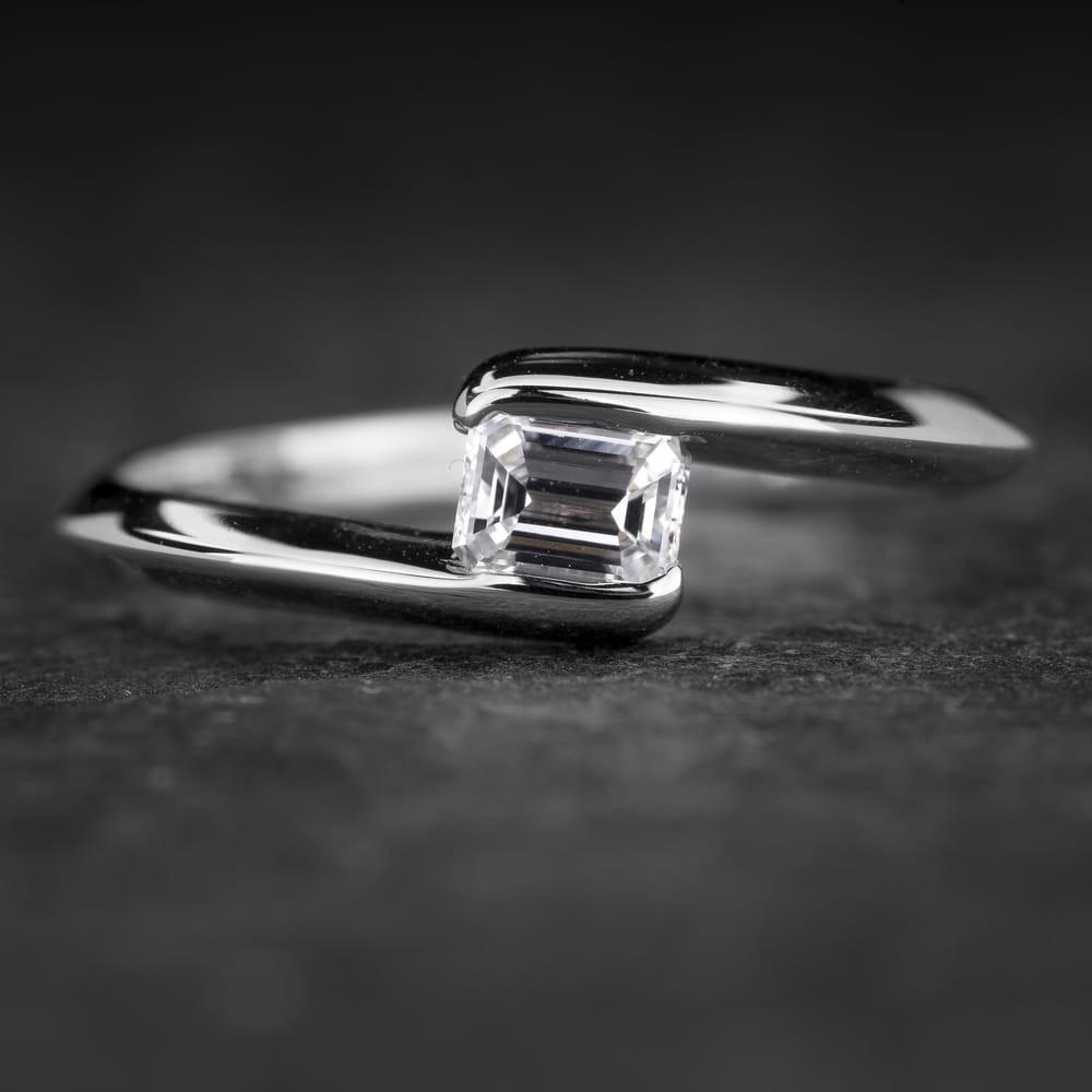 """Sužadėtuvių žiedas su Deimantu """"The Diamond 53"""""""