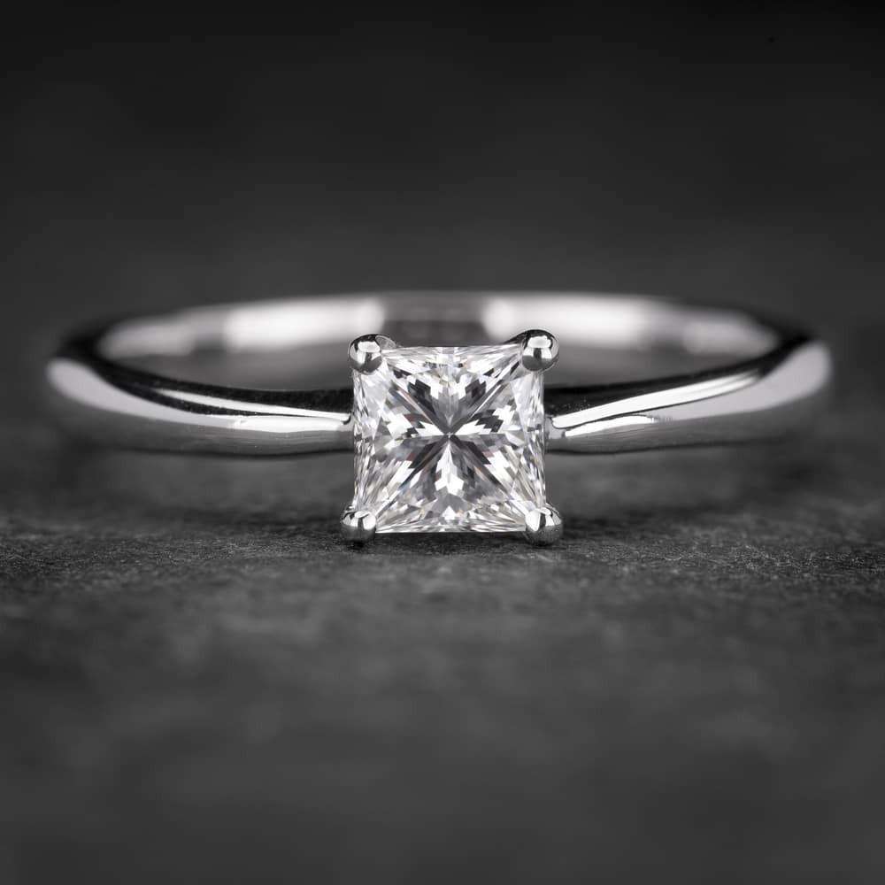 """Sužadėtuvių žiedas su Deimantu """"Princess 56"""""""