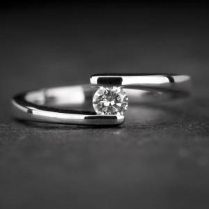 """Sužadėtuvių žiedas su Briliantu """"Fortune 34"""""""
