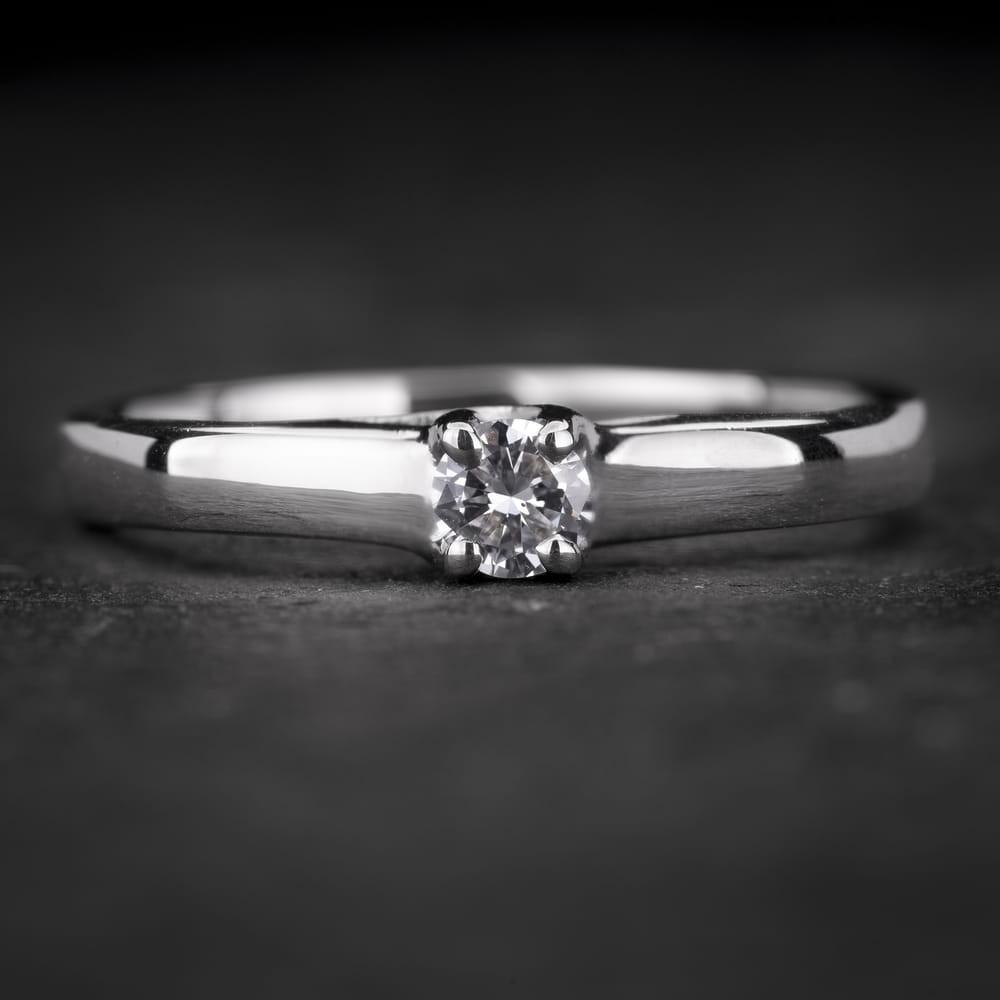 """Sužadėtuvių žiedas su Briliantas """"The Goddess 48"""""""