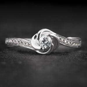 """Sužadėtuvių žiedas su Deimantais """"Shiny Flower 23"""""""