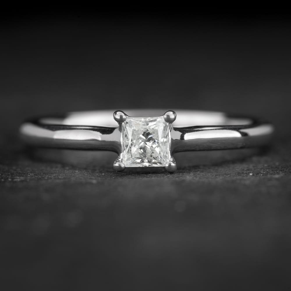 """Sužadėtuvių žiedas su Deimantu """"Princess 72"""""""
