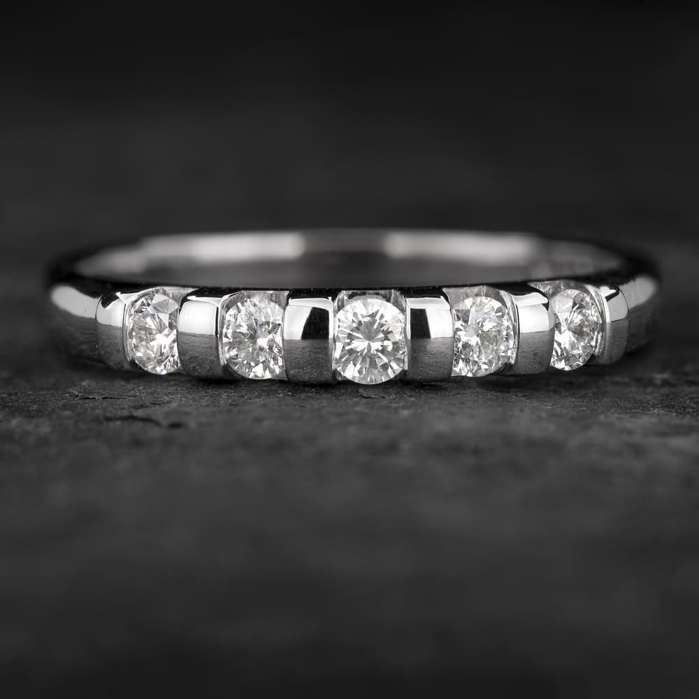 """Auksinis žiedas su Briliantais """"Deimantinė Juostelė 36"""""""