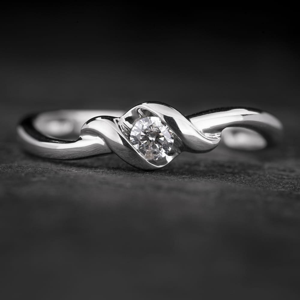 """Sužadėtuvių žiedas su Briliantu """"Fortune 42"""""""