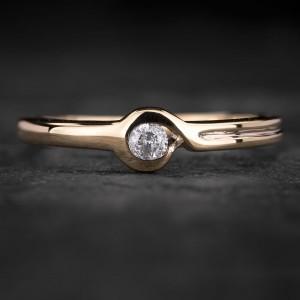 """Sužadėtuvių žiedas su Briliantu """"Sweetness 39"""""""