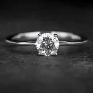 """Sužadėtuvių žiedas su Briliantu """"The Goddess 60"""""""