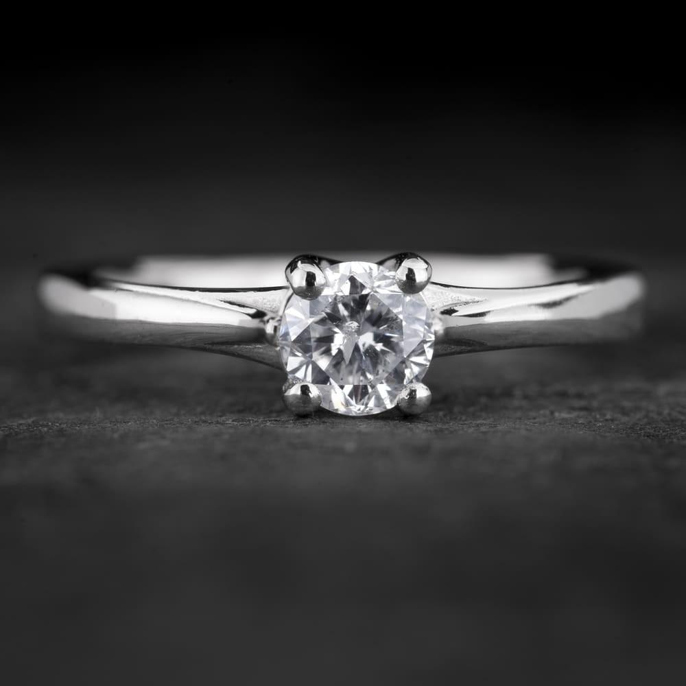 """Sužadėtuvių žiedas su Briliantu """"Fortune 48"""""""
