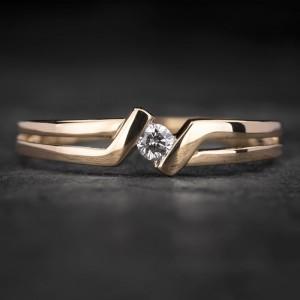 """Sužadėtuvių žiedas su Briliantu """"Fortune 49"""""""