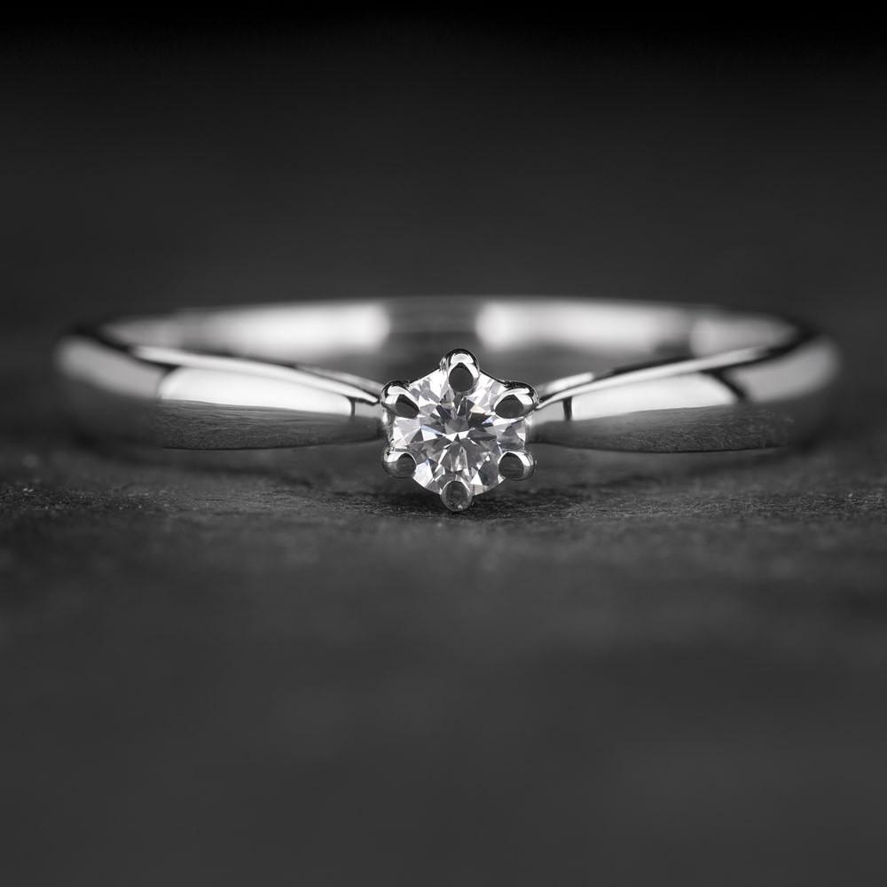 """Sužadėtuvių žiedas su Briliantu """"Classic 31"""""""