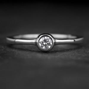 """Sužadėtuvių žiedas su Briliantu """"Sweetness 42"""""""