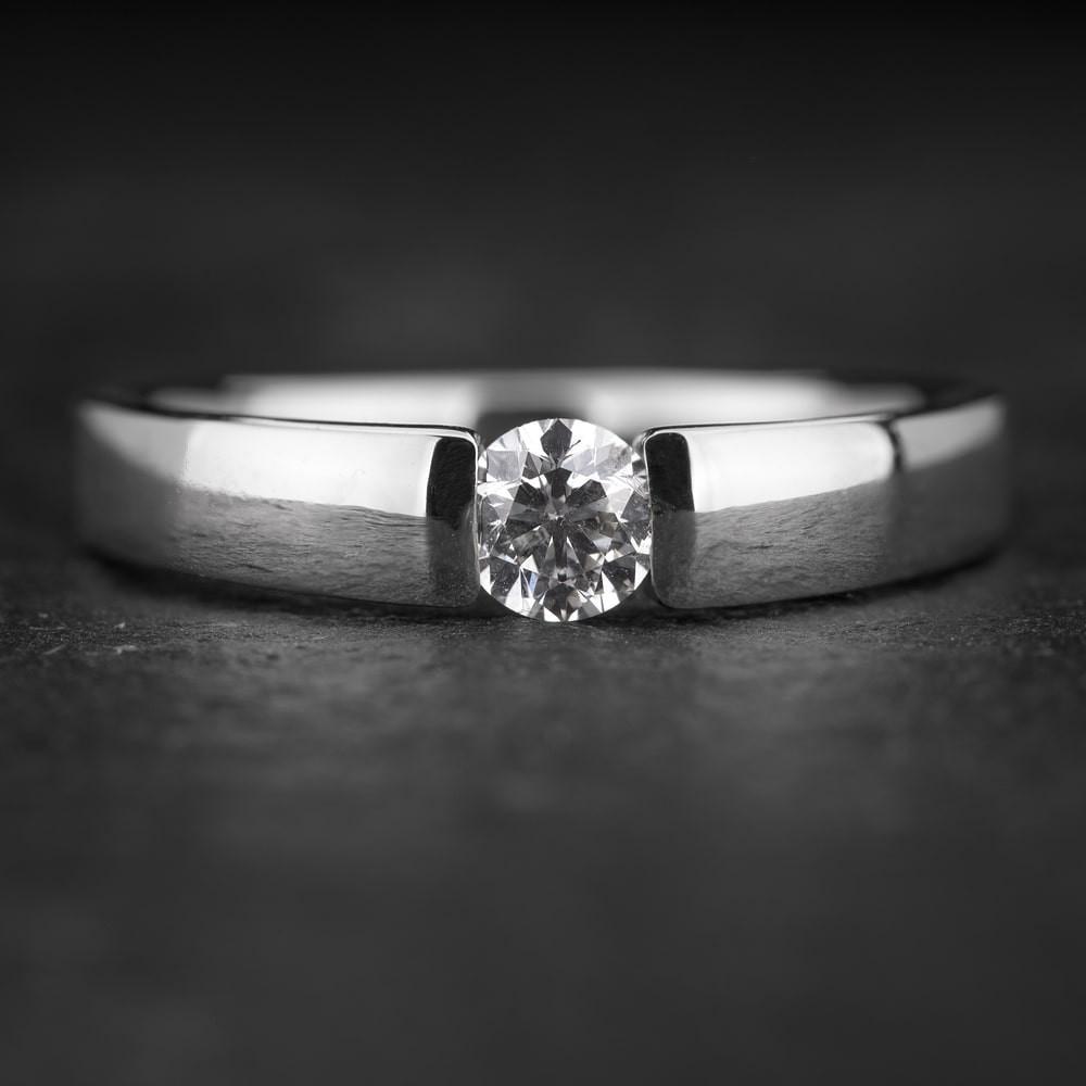 """Sužadėtuvių žiedas su Briliantu """"Sweetness 43"""""""