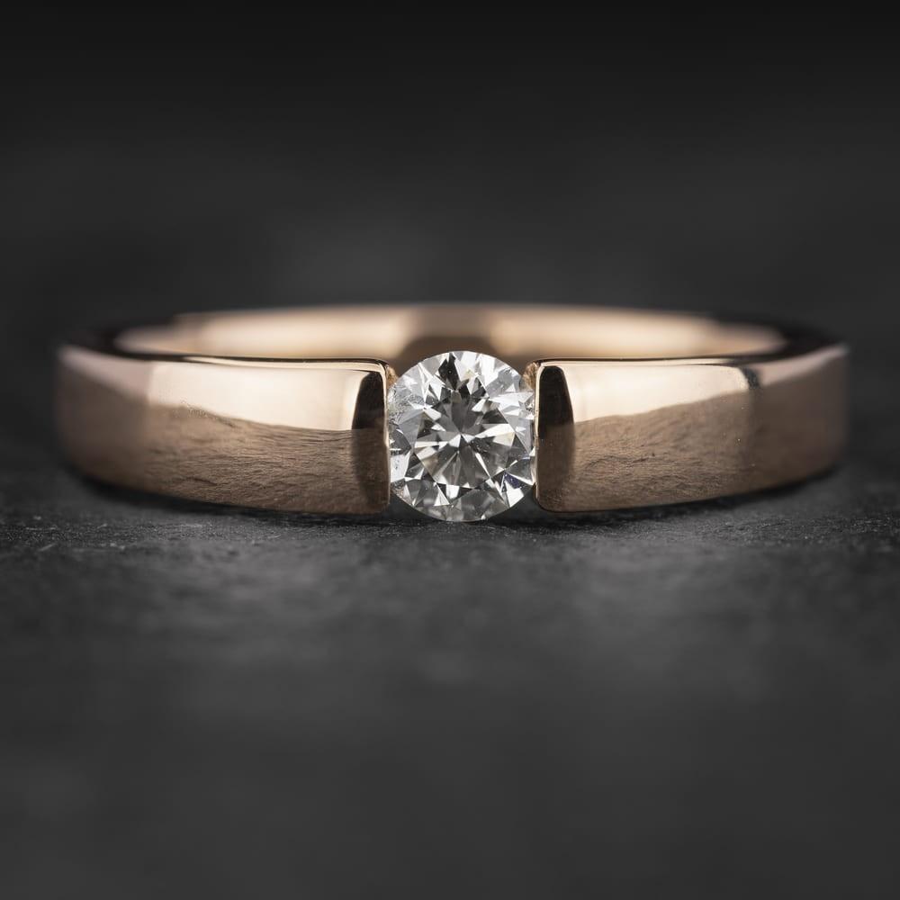 """Sužadėtuvių žiedas su Briliantu """"Sweetness 44"""""""