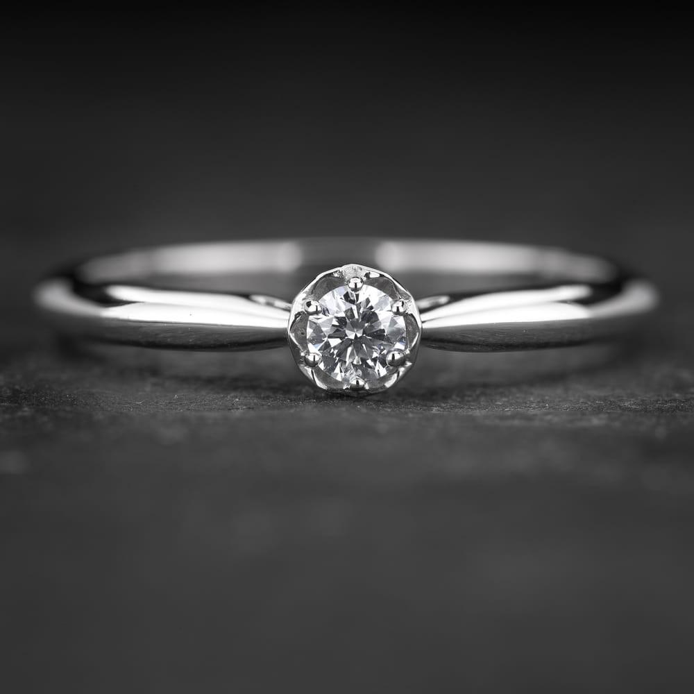 """Sužadėtuvių žiedas su Briliantu """"Lotus 5"""""""