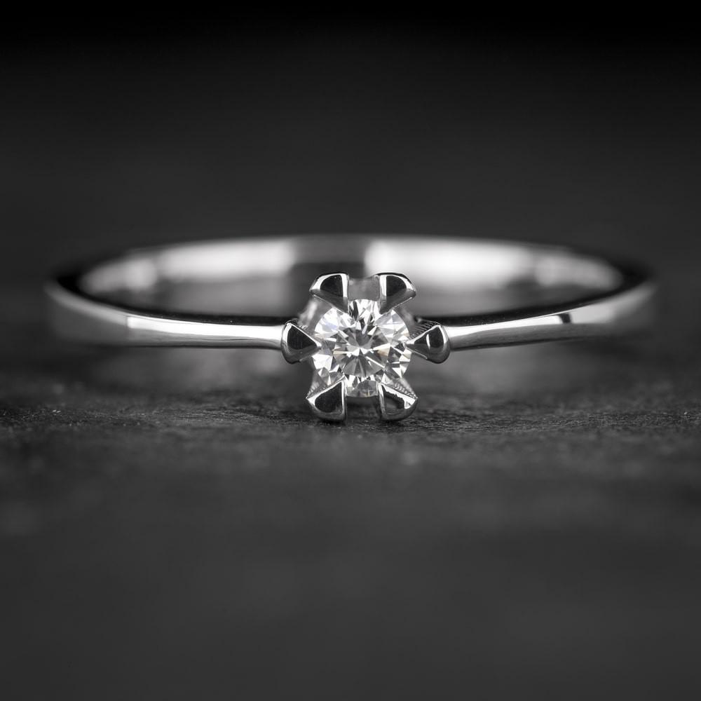 """Sužadėtuvių žiedas su Briliantu """"Classic 33"""""""