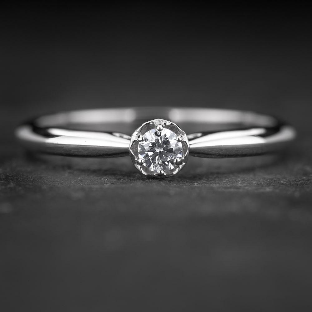 """Sužadėtuvių žiedas su Briliantu """"Lotus 6"""""""