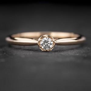 """Auksinis žiedas su Briliantu """"Lotus 3"""""""