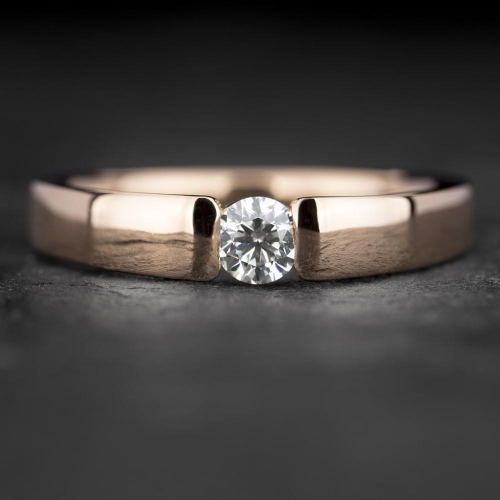 """Sužadėtuvių žiedas su Briliantu """"Sweetness 47"""""""