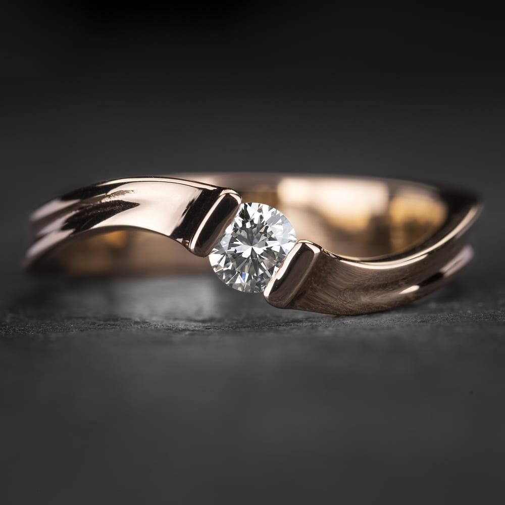"""Auksinis žiedas su Briliantu """"Fantasy 18"""""""