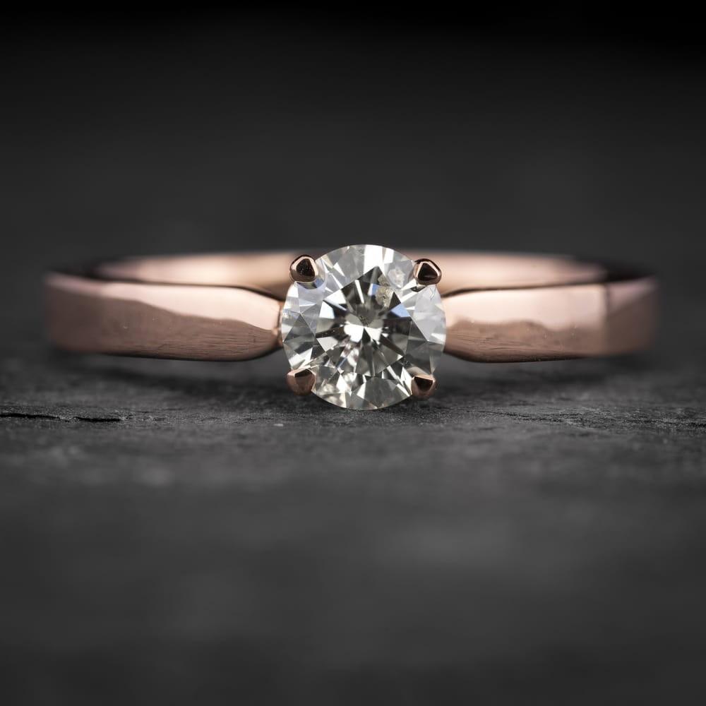 """Sužadėtuvių žiedas su Briliantu """"The Goddess 98"""""""