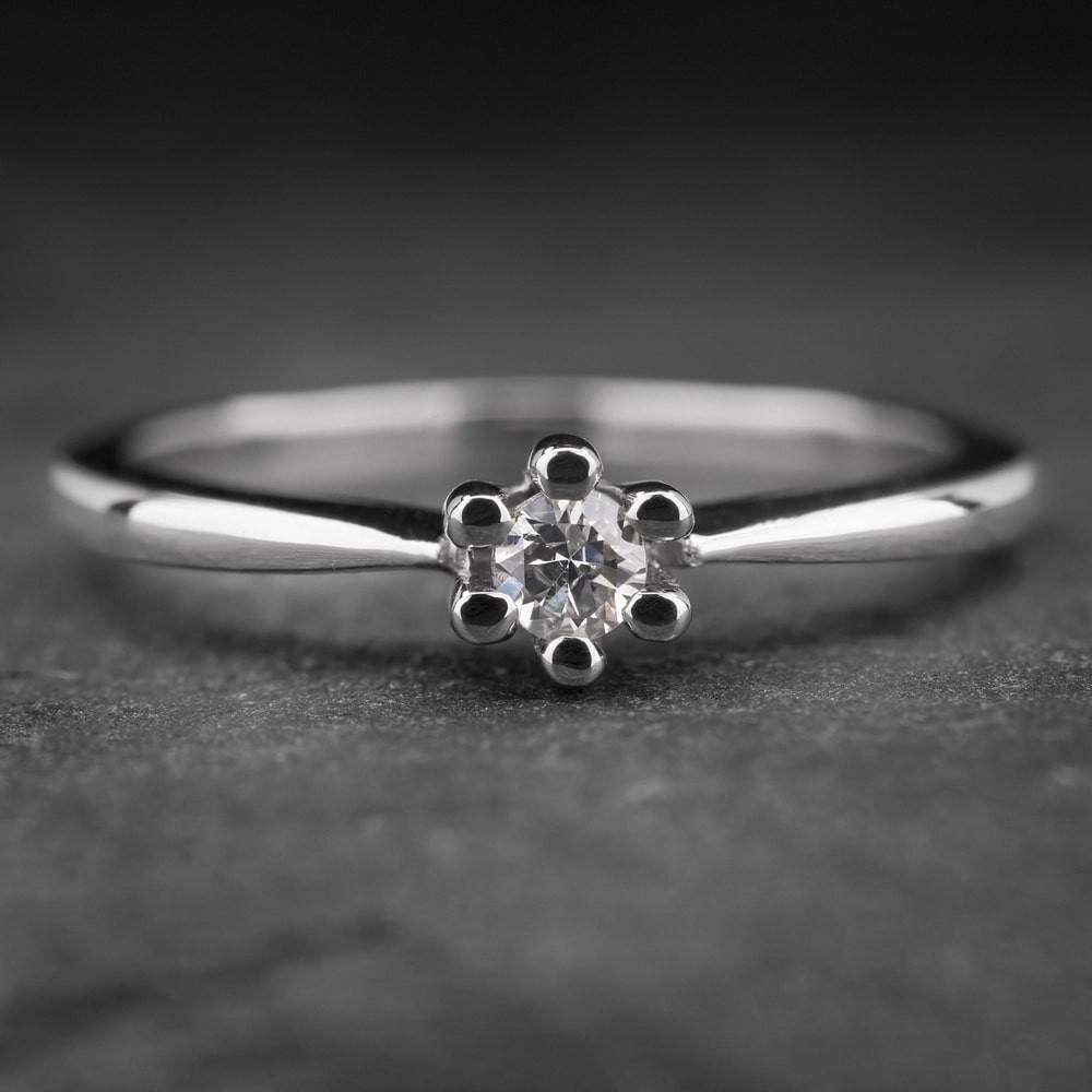 """Auksinis žiedas su Briliantu """"Nuoširdžioji 9"""""""