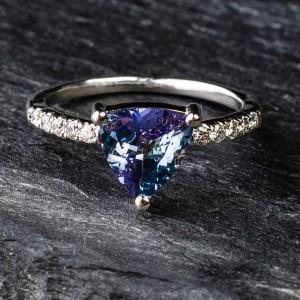 """Auksinis žiedas su Brangakmeniais """"Aristokratas"""""""