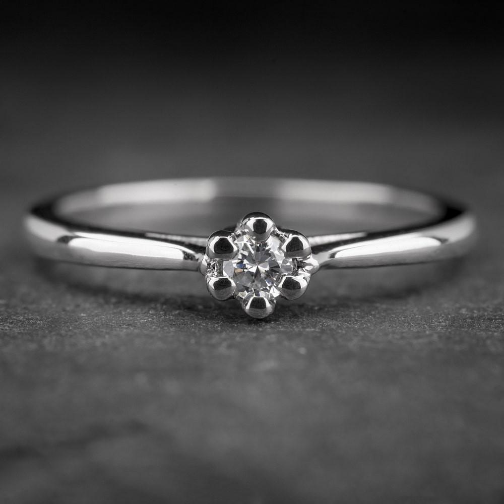 """Auksinis žiedas su Briliantu """"Nuoširdžioji 11"""""""