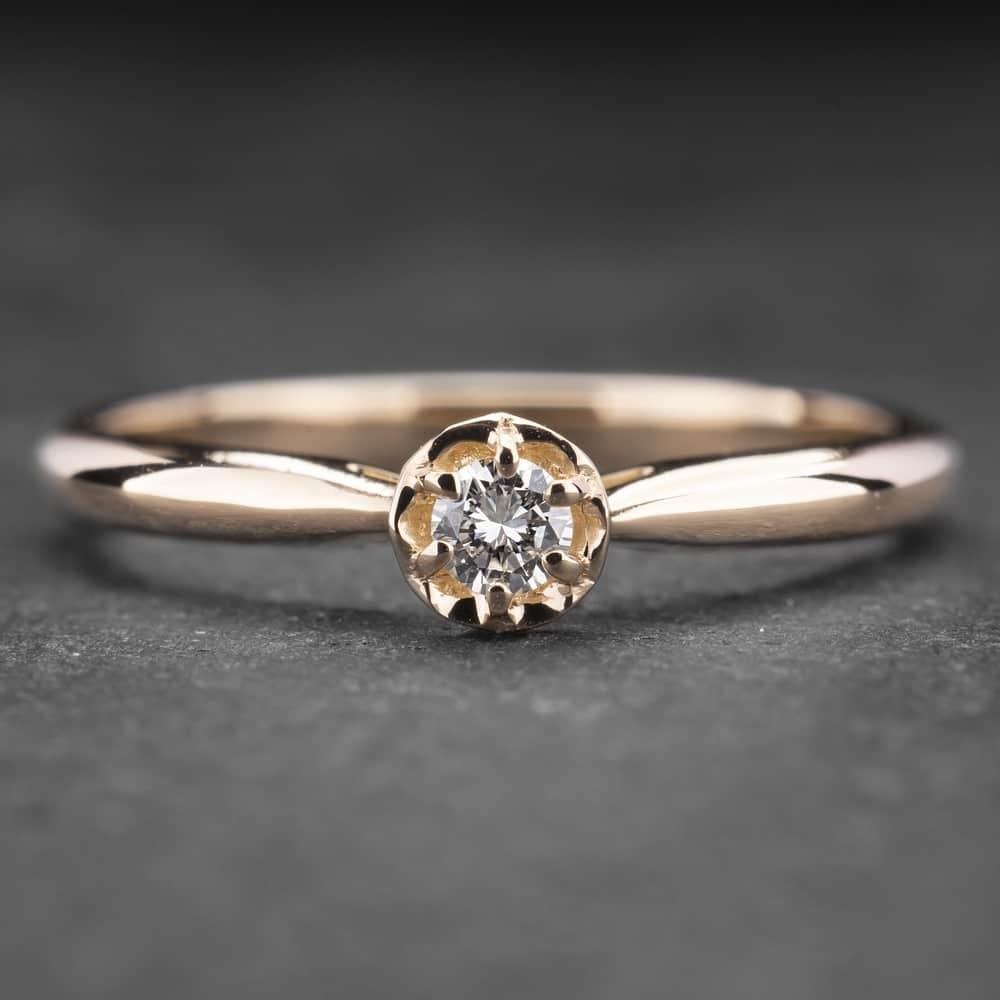 """Auksinis žiedas su Briliantu """"Lotus 2"""""""