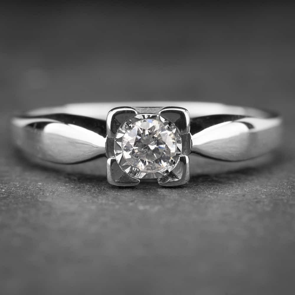 """Auksinis žiedas su Briliantu """"Nuostabusis 7"""""""